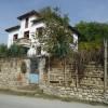 Perceel bouwgrond met huis in ruïneuze staat te koop in het dorp Vinogradi