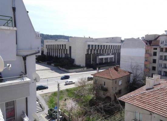 Продава апартамент в центъра на Благоевград