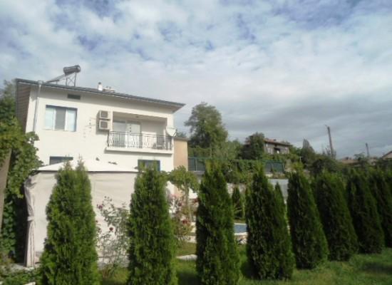 De verkoop van een nieuw huis. regio Sandanski