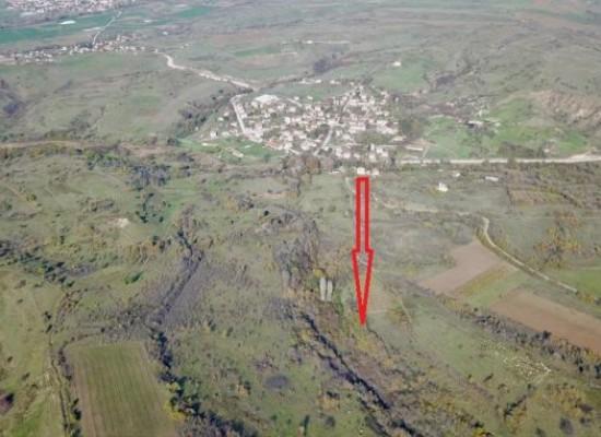 Verkauf von 38 000 qm Land in der Nähe von Mineralwasser. Bulgarien, Stadt Sandanski