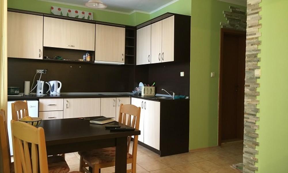 Продава двустаен апартамент в Слънчев бряг