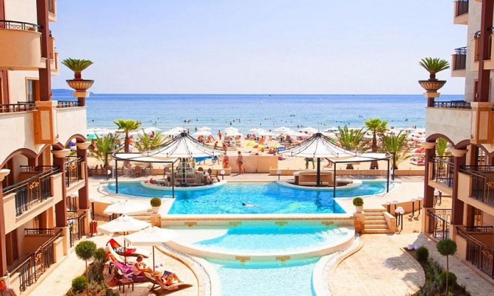 Луксозен комплекс на брега на морето. Слънчев бряг