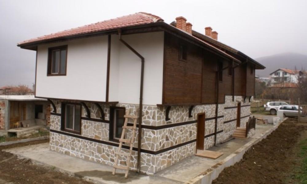 Продава къща в Кошарица