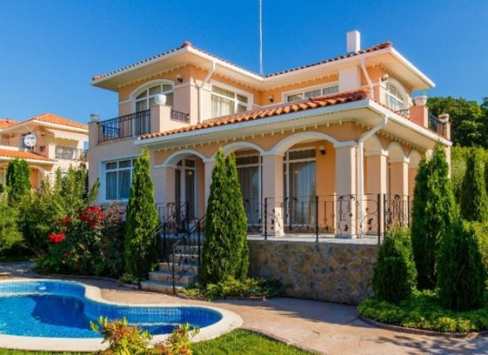 Two-storey furnished villa with pool near Sunny Beach