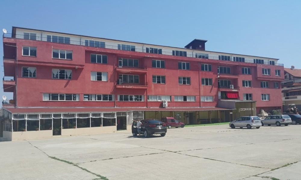 Индустриална сграда под наем в Петрич