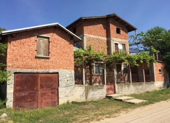 House for sale near the town of Sandanski