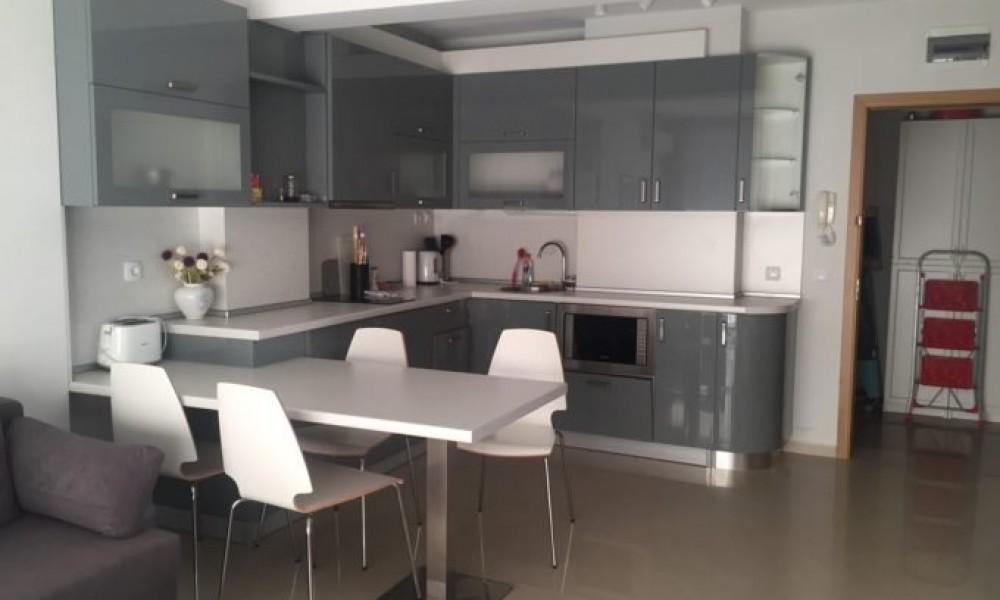 Луксозен апартамент под наем в центъра на гр.Сандански
