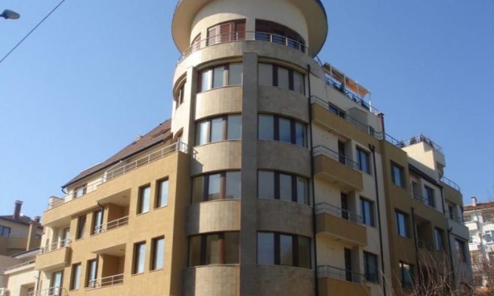 Продава двустаен апартамент в Сандански