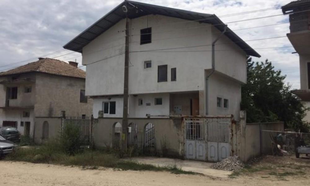 House for sale in the village of Spartacus, Sandanski
