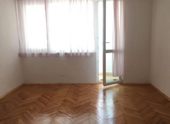 Продава тристаен апартамент на бул.Свобода