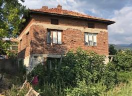 House for sale in mountain village near Sandanski SPA Resort