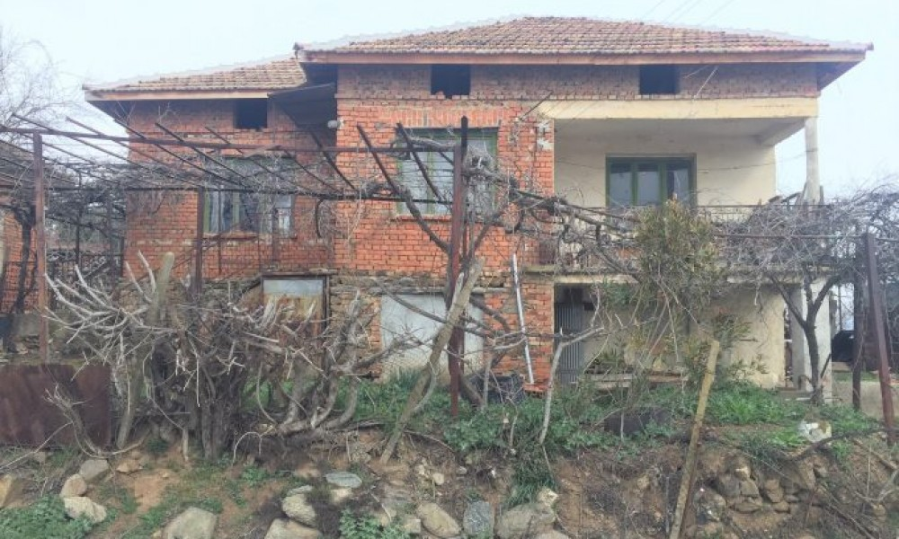 House for sale in a village between Petrich and Sandanski