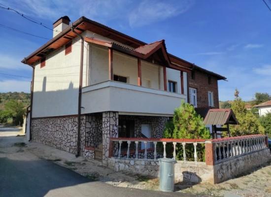 House for sale 8 km from Sandanski